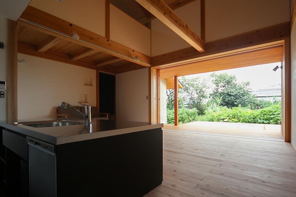 姫路市の木の家『くつろぐ食卓 もてなす茶室』LDK