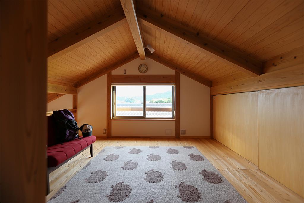 神崎郡の木の家 ロフトフリールーム