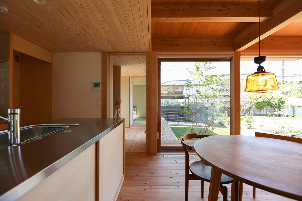 姫路市の木の家 DKからの眺め