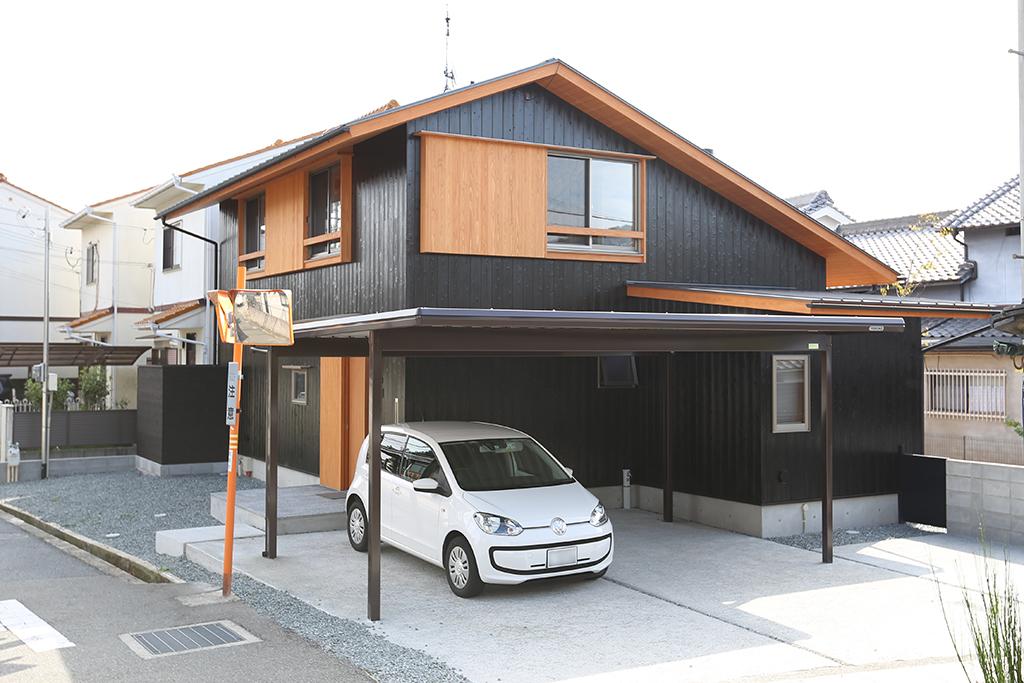 姫路市の木の家 杉板張りの外観
