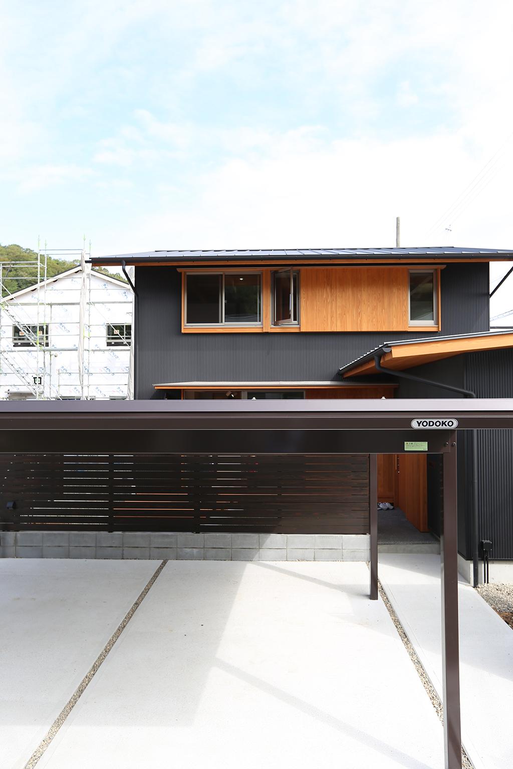 姫路市の木の家 ガルバリウム鋼板張りの外観
