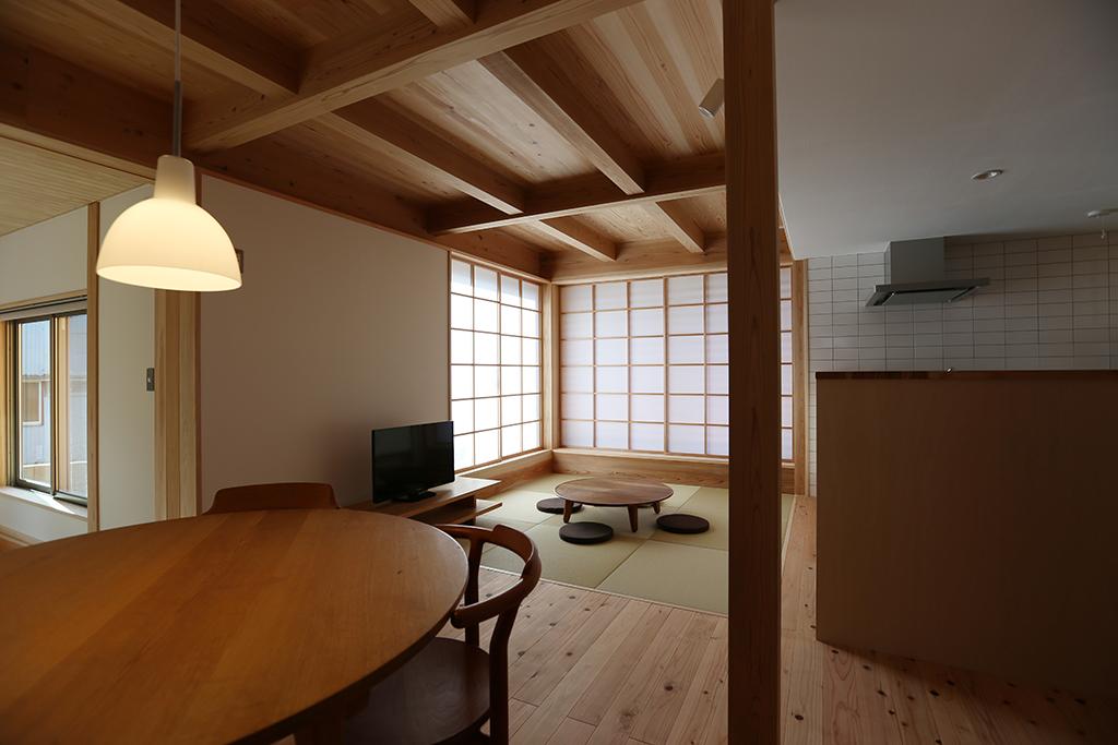 神崎郡の木の家 リビングダイニングキッチン