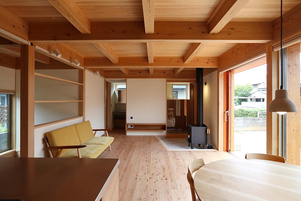 明石市の木の家 視線の抜ける窓配置