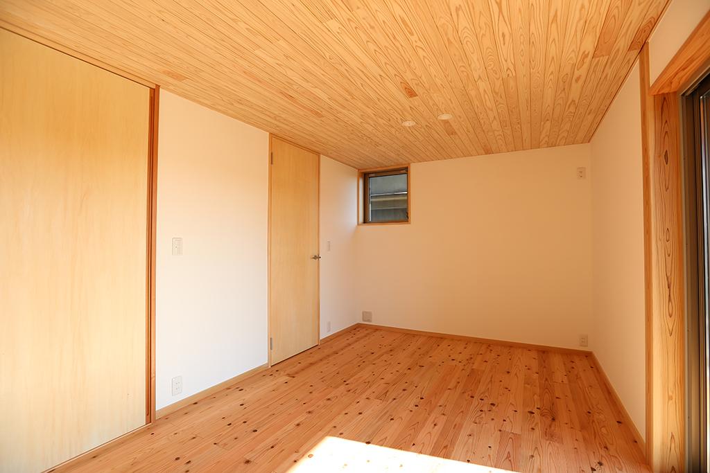 姫路市の木の家 寝室