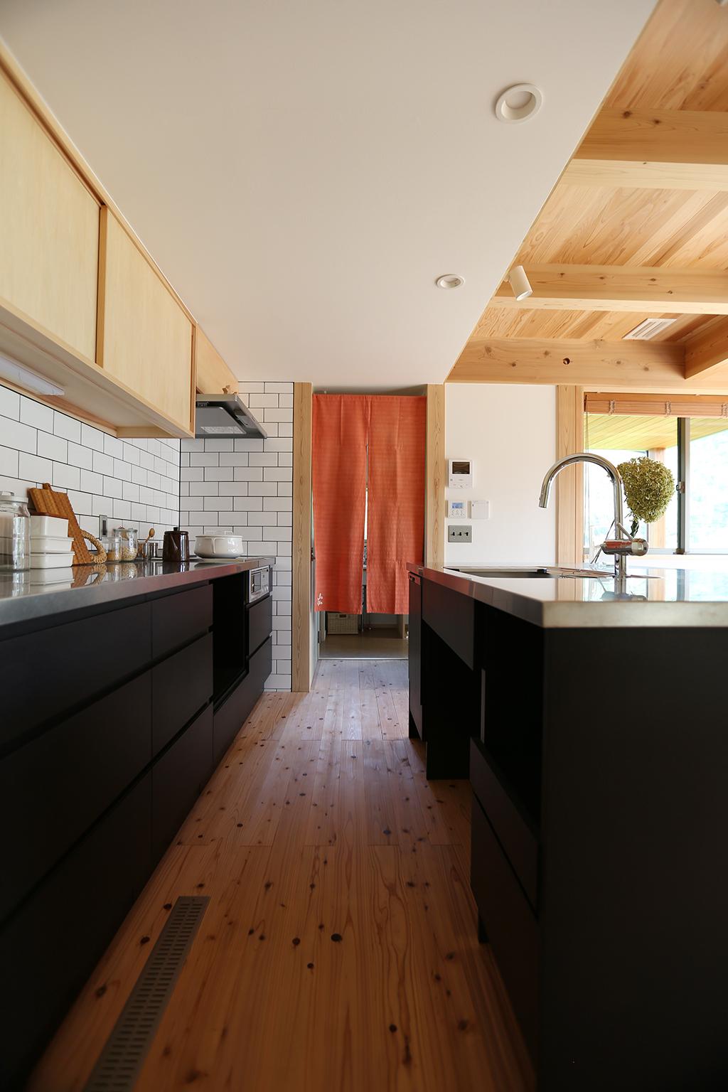 姫路市の木の家 大容量のオリジナルアイランドキッチン