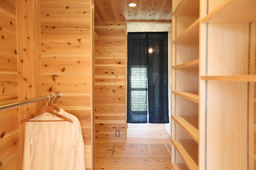 宍粟市の木の家 大容量のファミリークローク