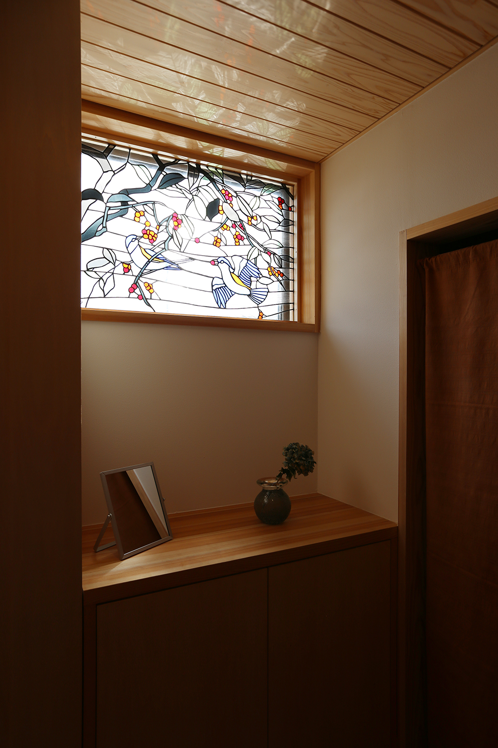 姫路市の木の家 お気に入りのステンドグラスをはめ込んだ窓