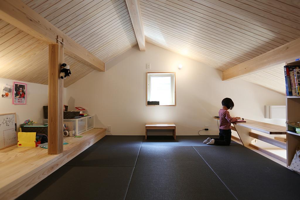高砂市の木の家 畳敷きのロフト