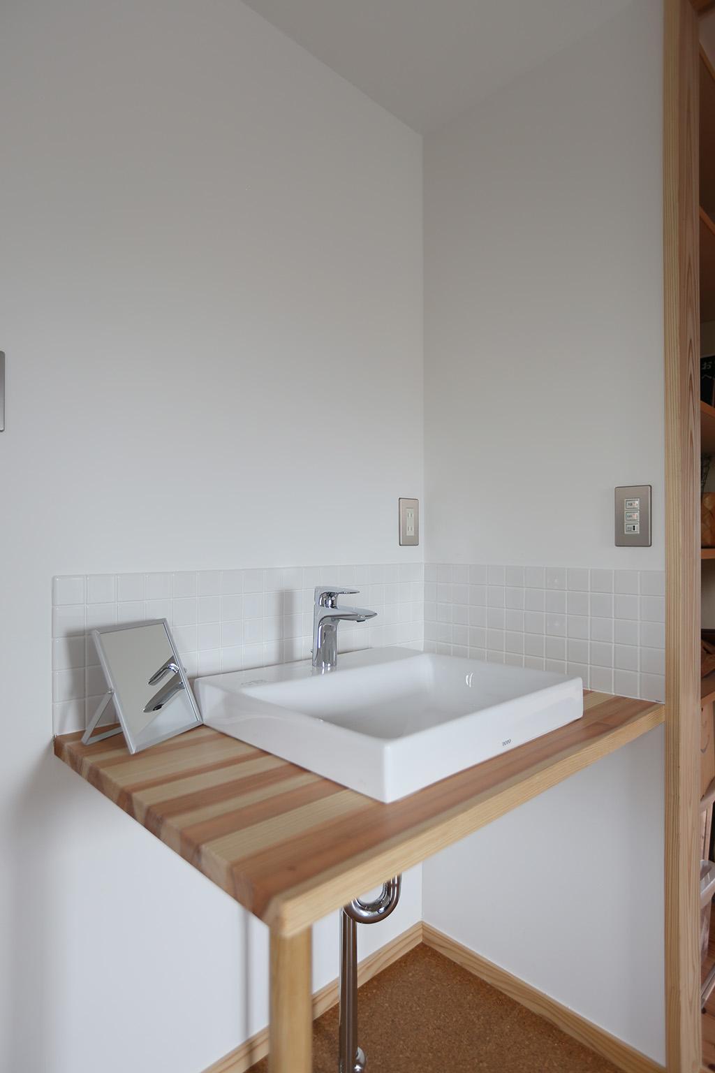 姫路市の木の家 独立型洗面