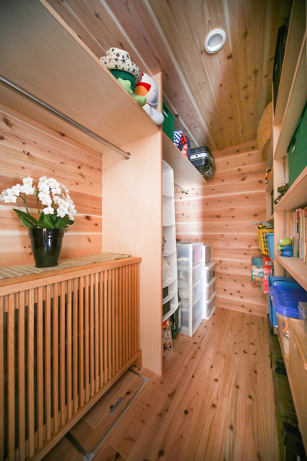 姫路市の木の家 大容量のウォークインクローゼット