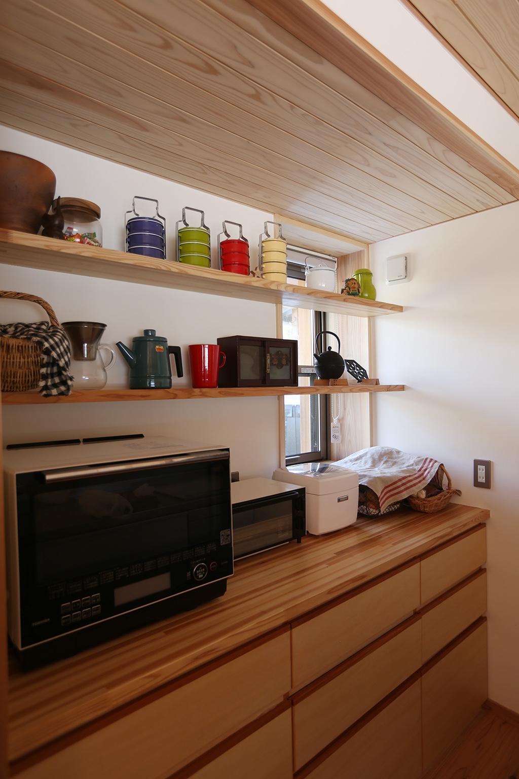 姫路市の木の家 オリジナルのキッチン背面収納