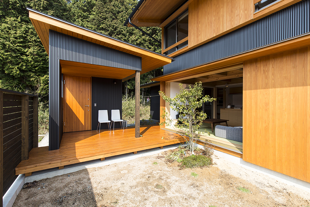 姫路市の木の家 程よい距離感の母屋と離れ