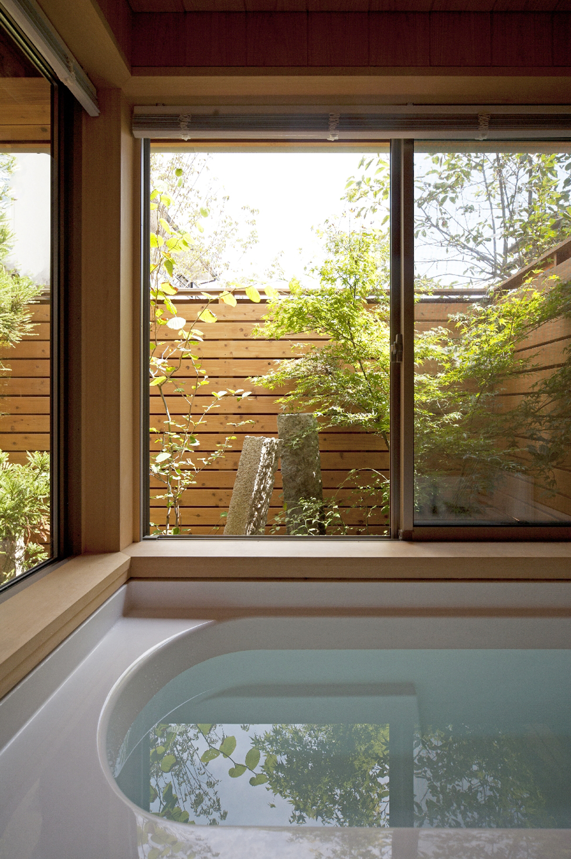 宍粟市の木の家 さわら貼りの浴室