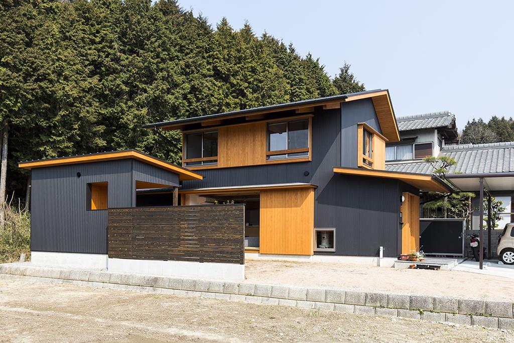 姫路市の木の家 離れのある住まい