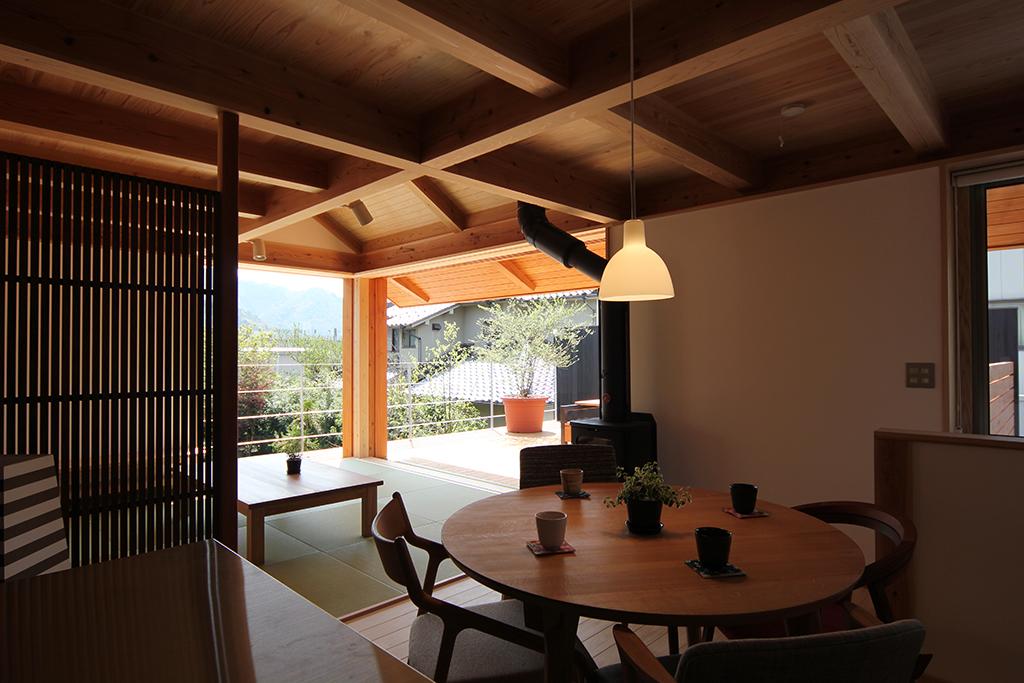 宍粟市の木の家 2階キッチンからの眺め