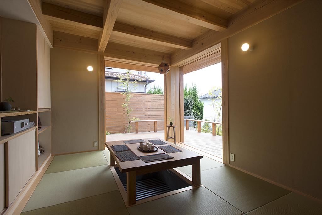 明石市の木の家 掘りごたつの畳リビング