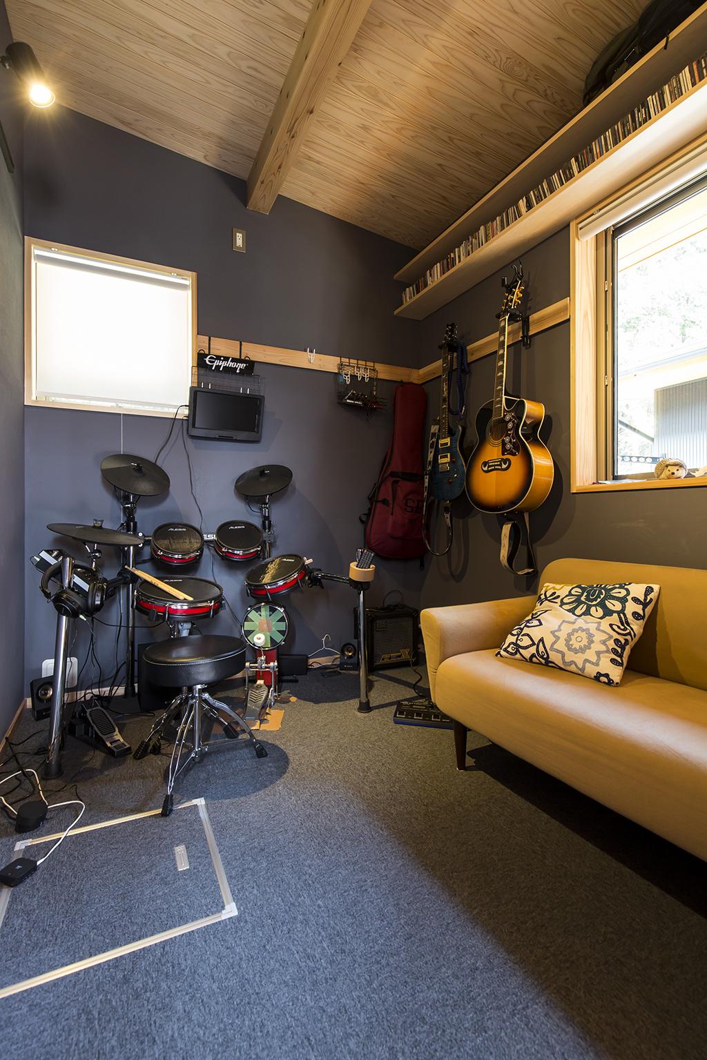 姫路市の木の家 ご主人の趣味室スタジオ