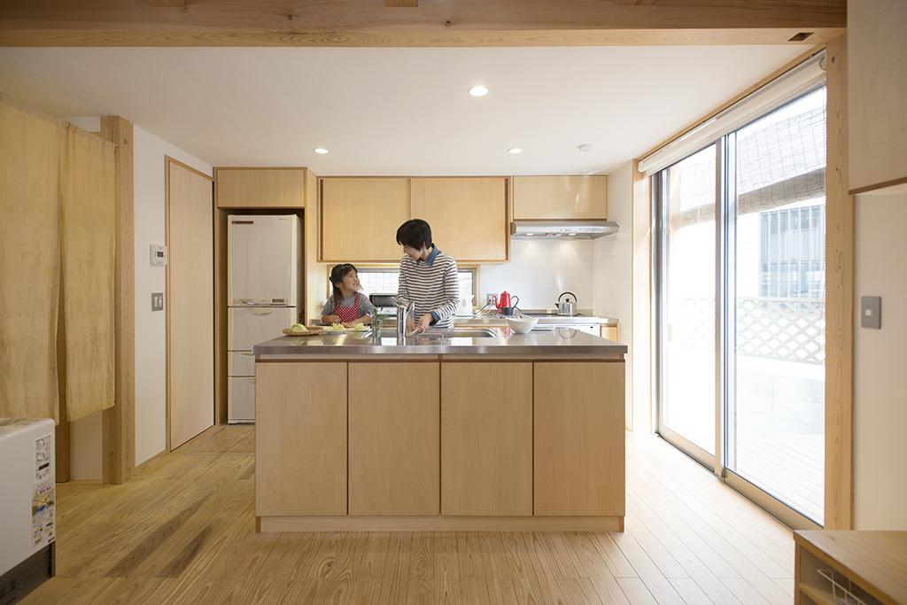 姫路市の木の家 オリジナルのアイランドキッチン