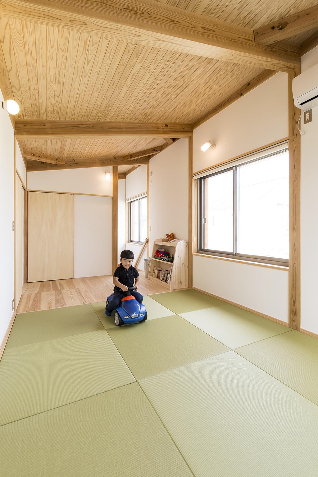高砂市の木の家 2階の畳敷きのセカンドリビング