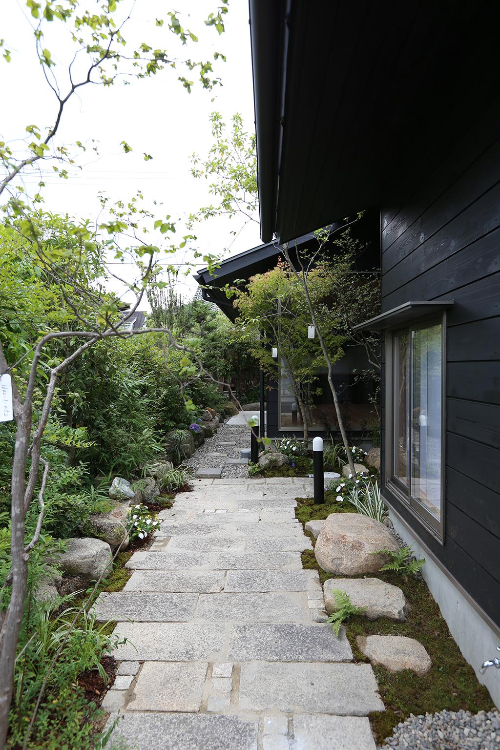 赤穂郡の木の家 アプローチ