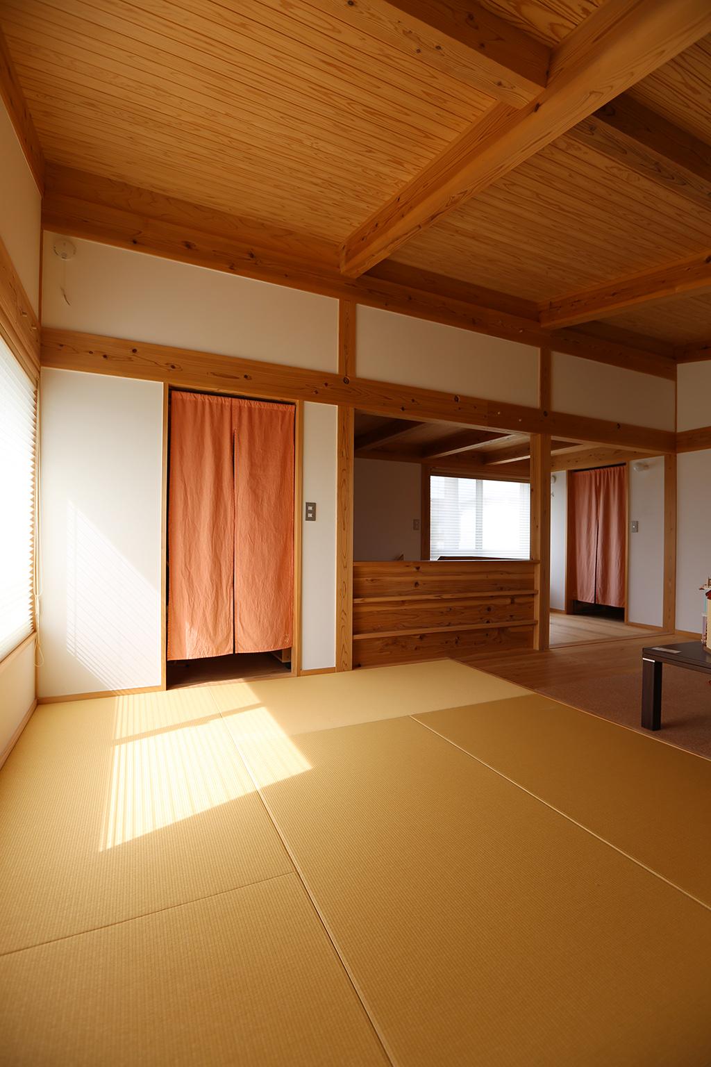 姫路市の木の家 畳敷きのフリールーム