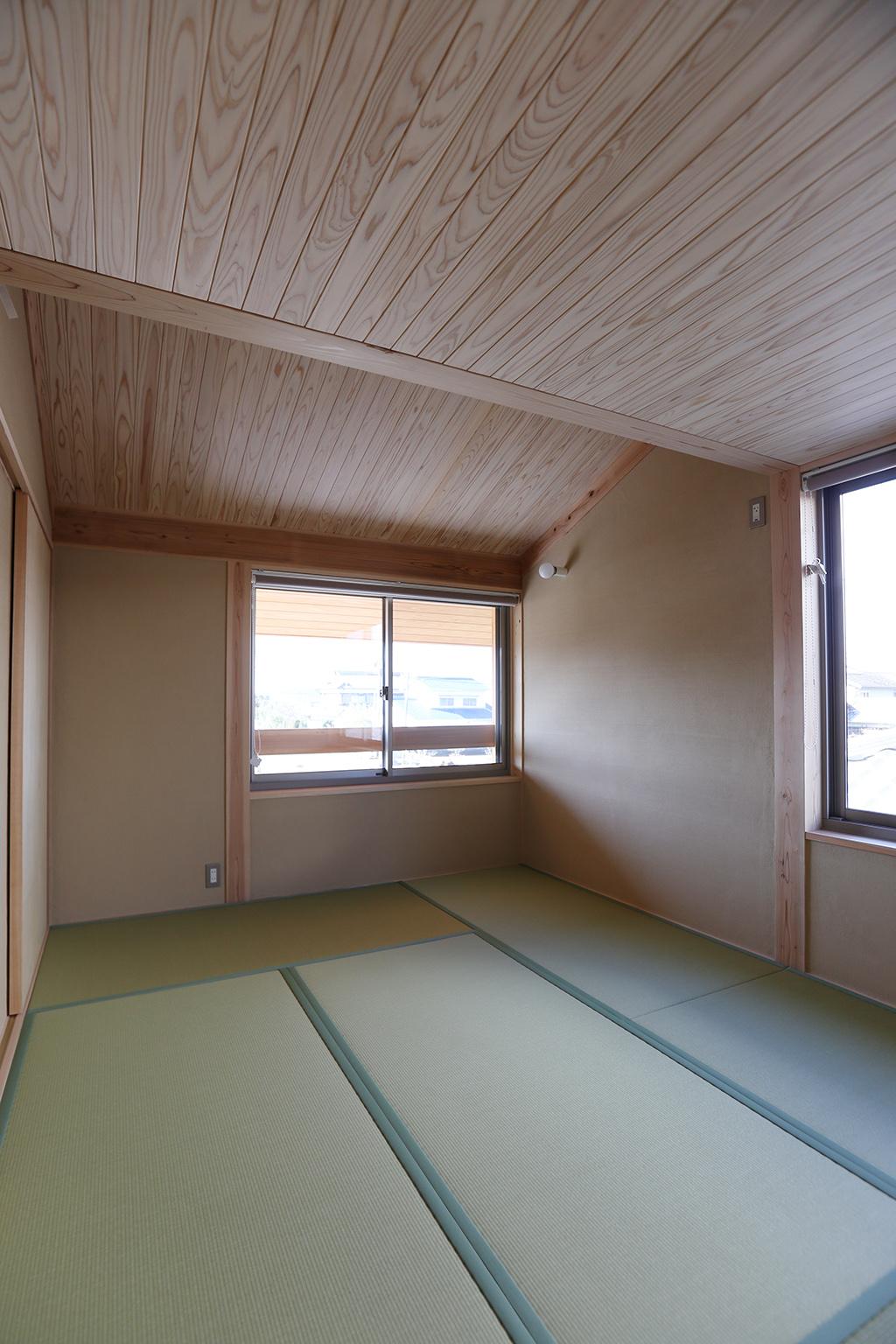 姫路市の木の家 畳の寝室