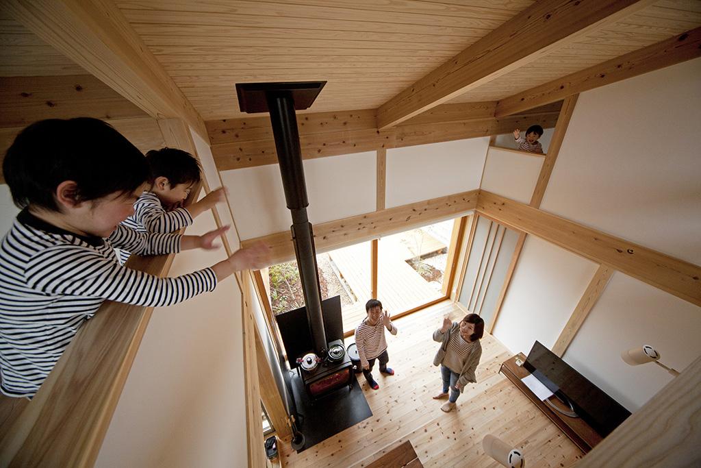 加古川市の木の家 吹き抜けで家族とつながる