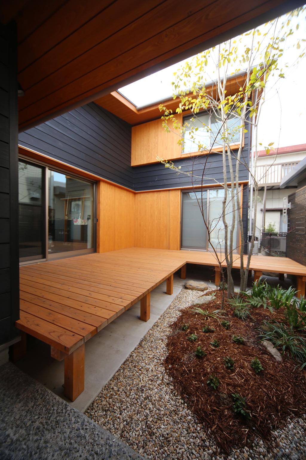 神戸市の木の家 中庭