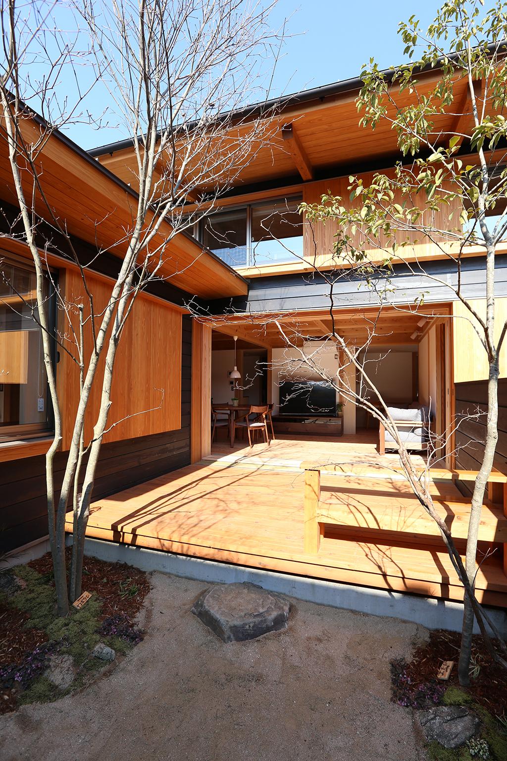 明石市の木の家 季節を感じる庭