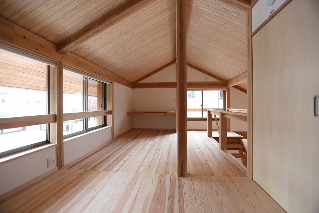 神崎郡の木の家 2階フリールーム