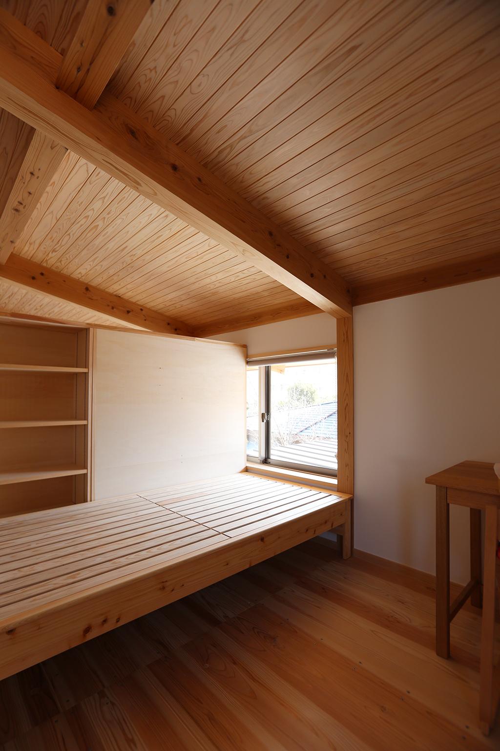 明石市の木の家 子ども部屋