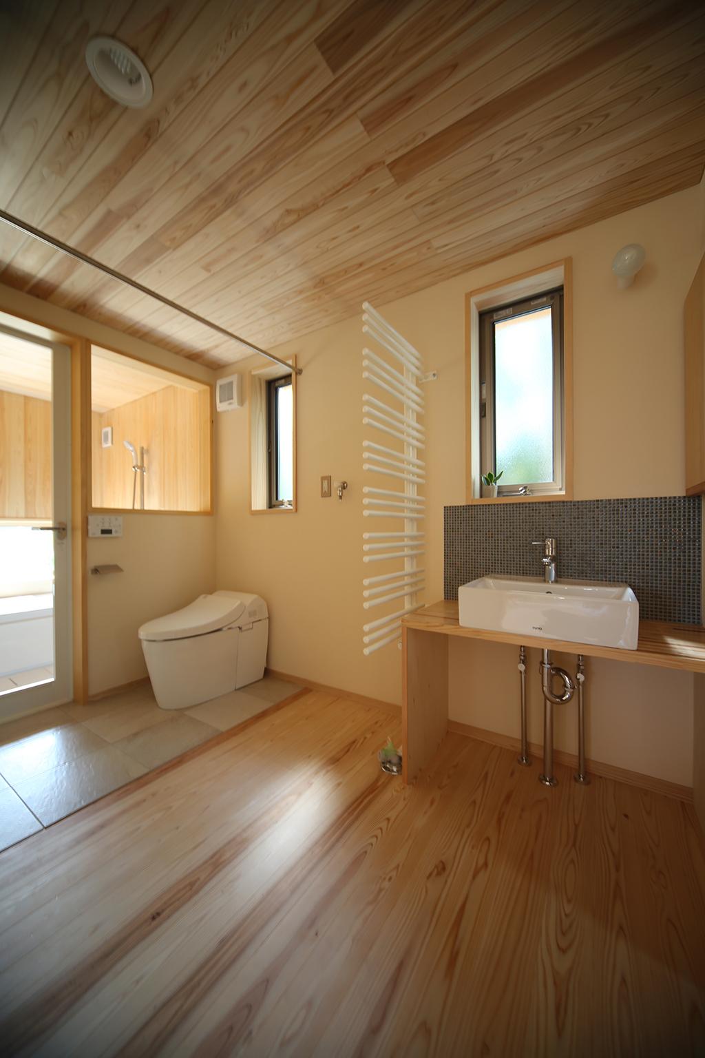姫路市の木の家 洗面トイレ