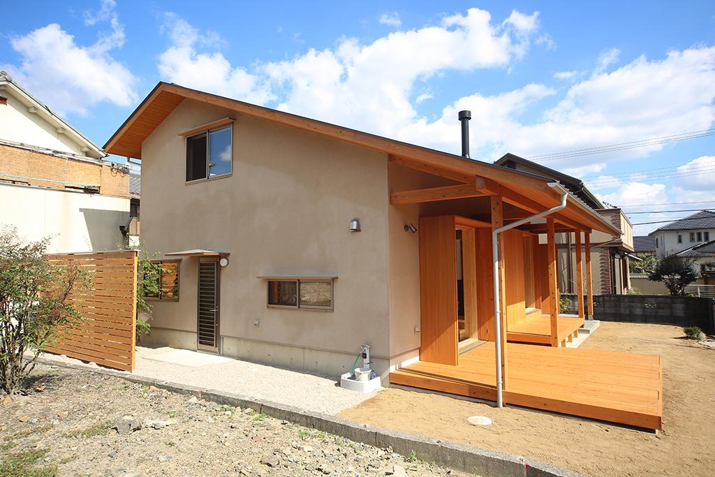 姫路市の木の家 土地に生えたように建つ上品な佇まい