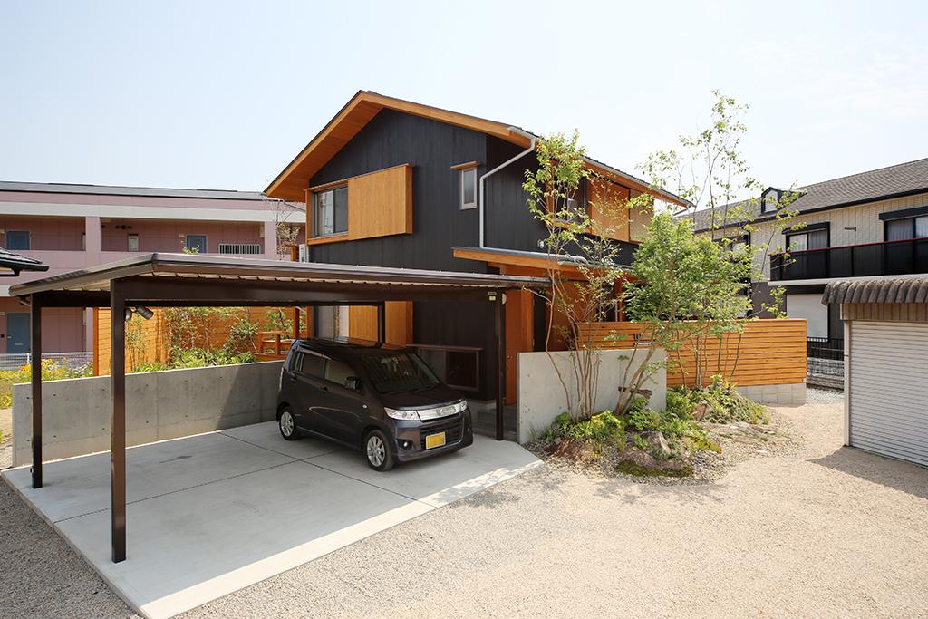姫路市の木の家 板張りの外観