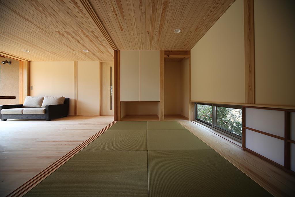姫路市の木の家 リビングとひとつながりの和室