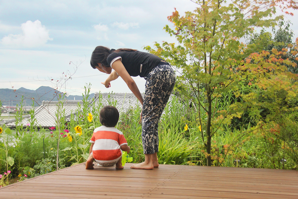 姫路市の木の家 ウッドデッキからの眺め