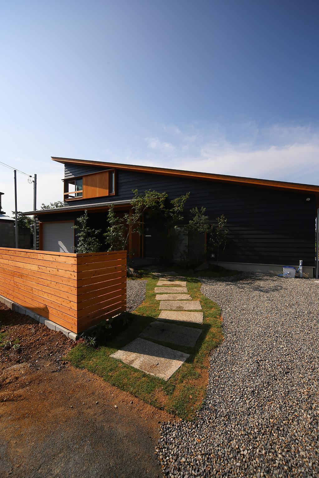 姫路市の木の家 アプローチ