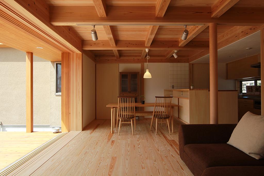 姫路市の木の家 大開口の窓のあるひとつながりのLDK