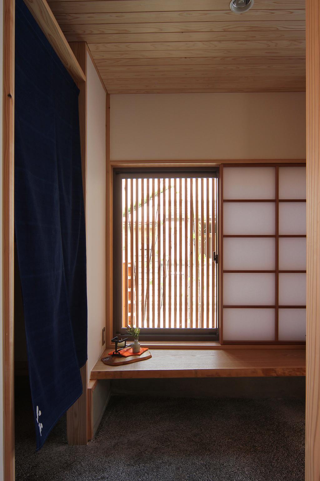 高砂市の木の家 客待ちのある玄関