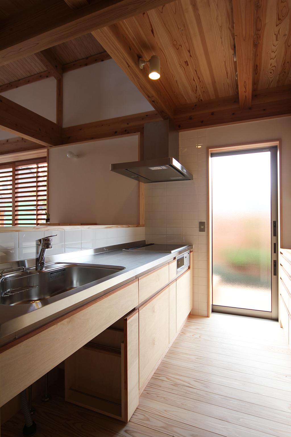 姫路市の木の家 使い勝手の良いヤマヒロオリジナルキッチン