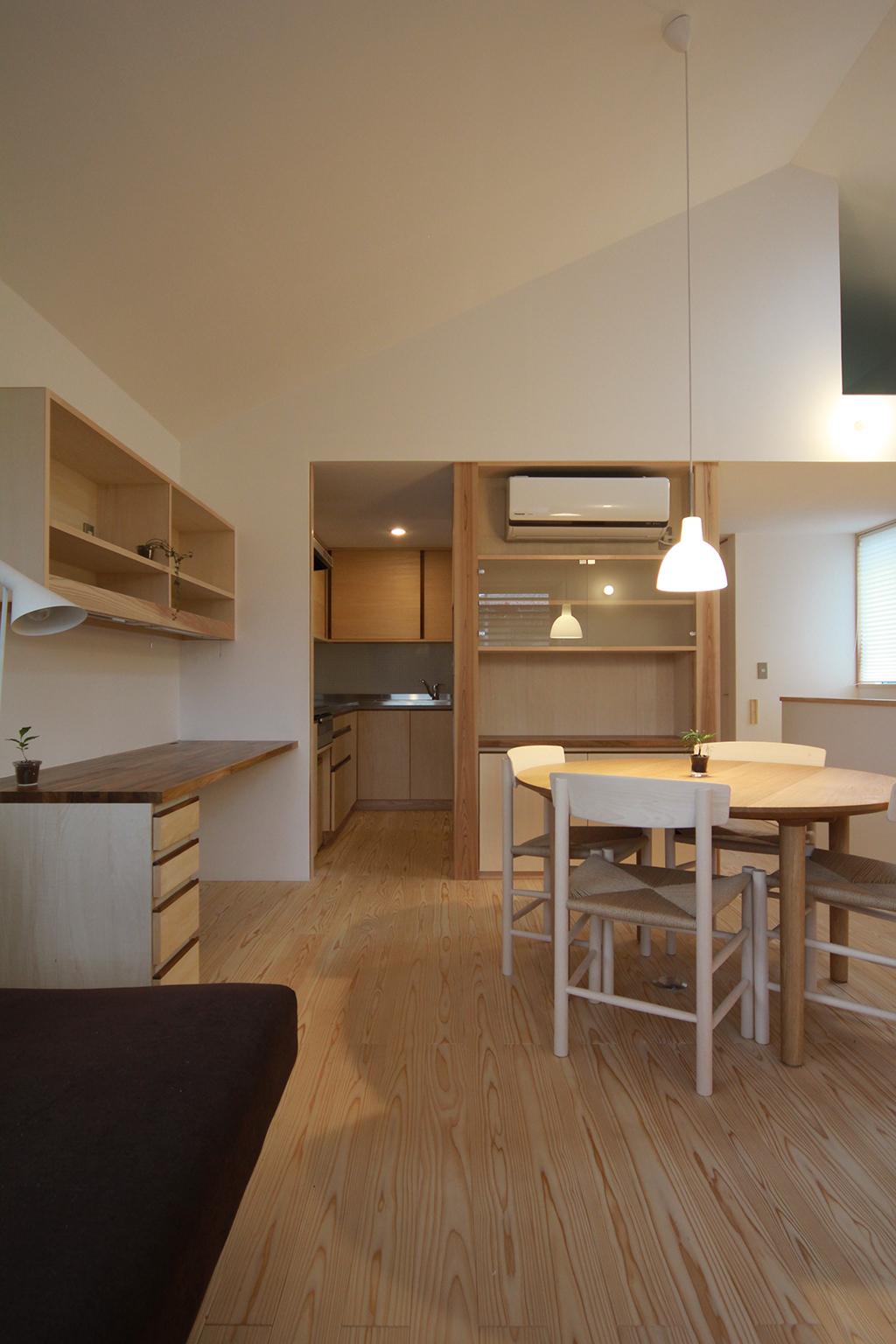 姫路市の木の家 屋根形状を活かし開放感のあるLDK