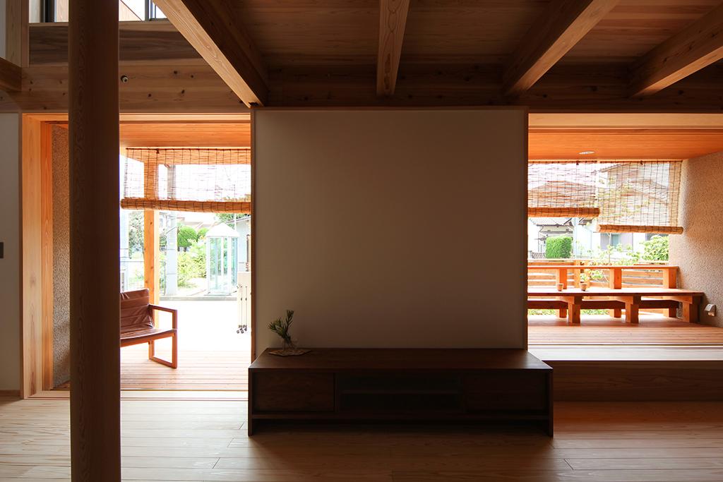 高砂市の木の家 大開口の窓のあるリビング