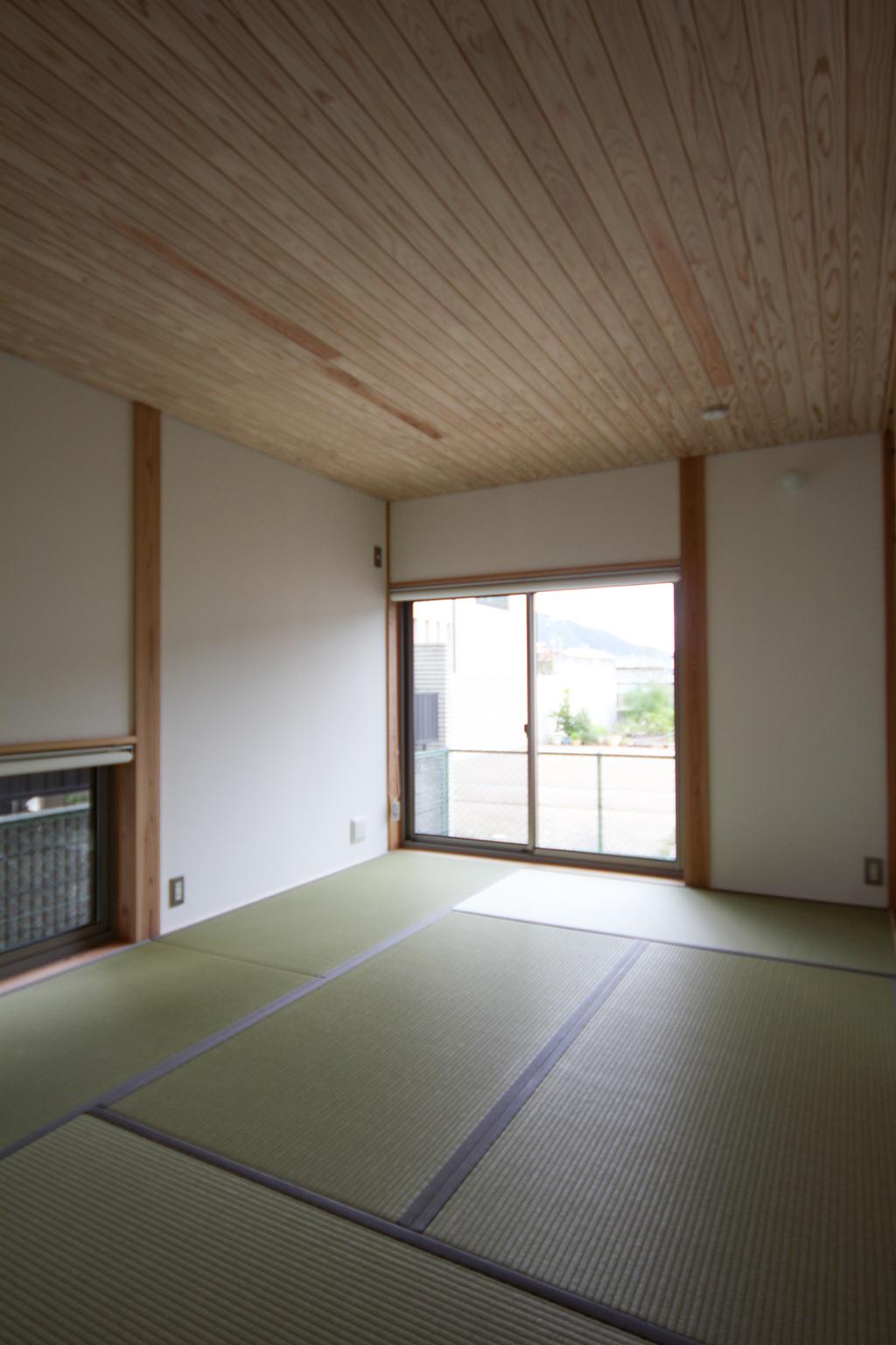 姫路市の木の家 和室の寝室