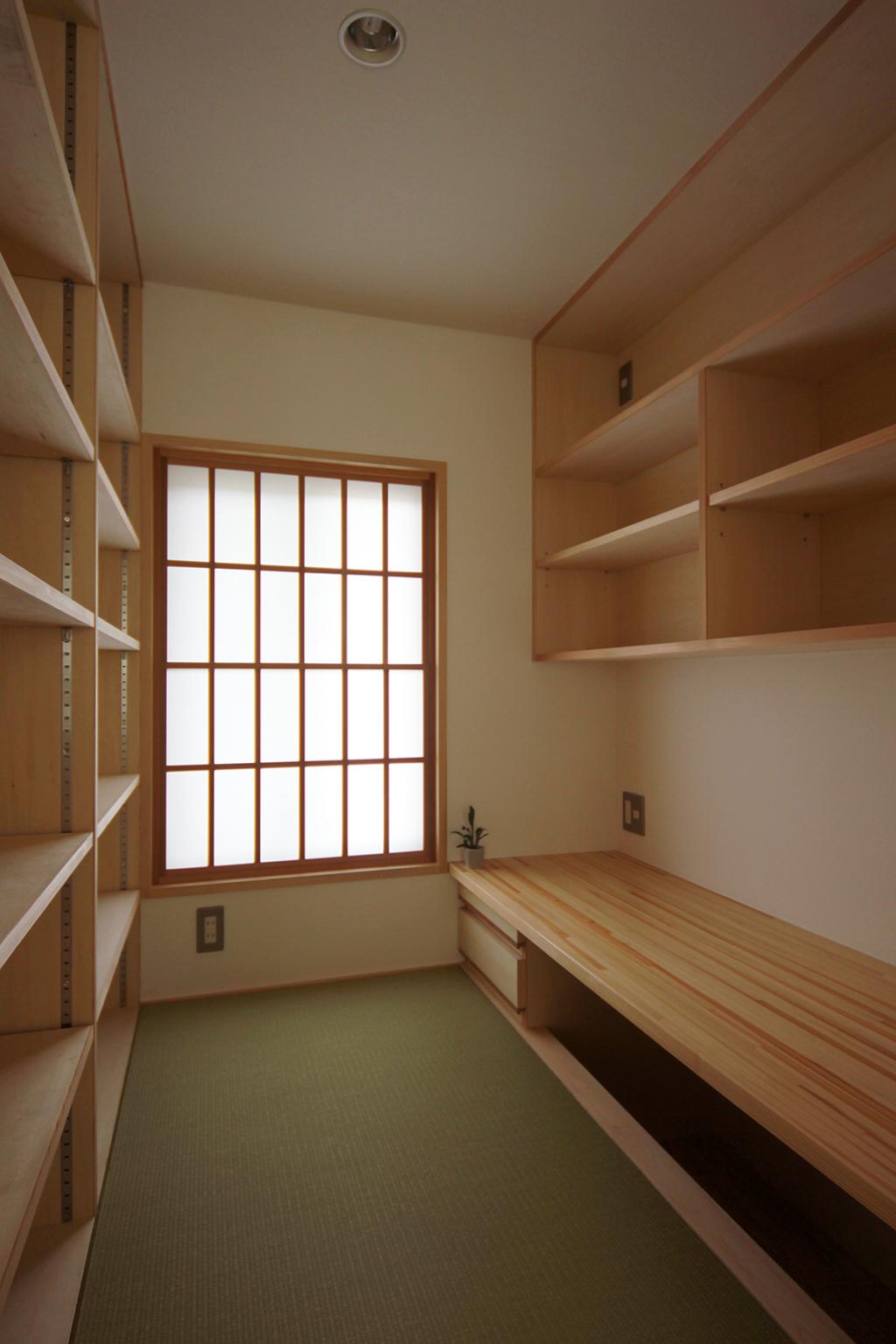 姫路市の木の家 畳敷きの書斎