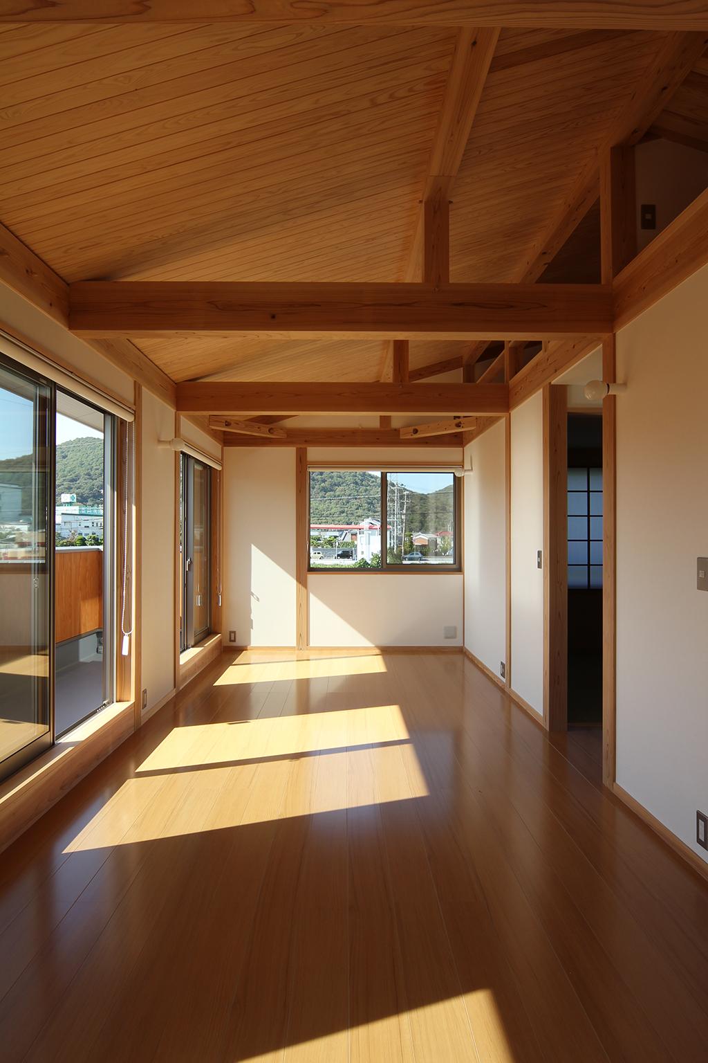 姫路市の木の家 家具で仕切ることができる子供部屋