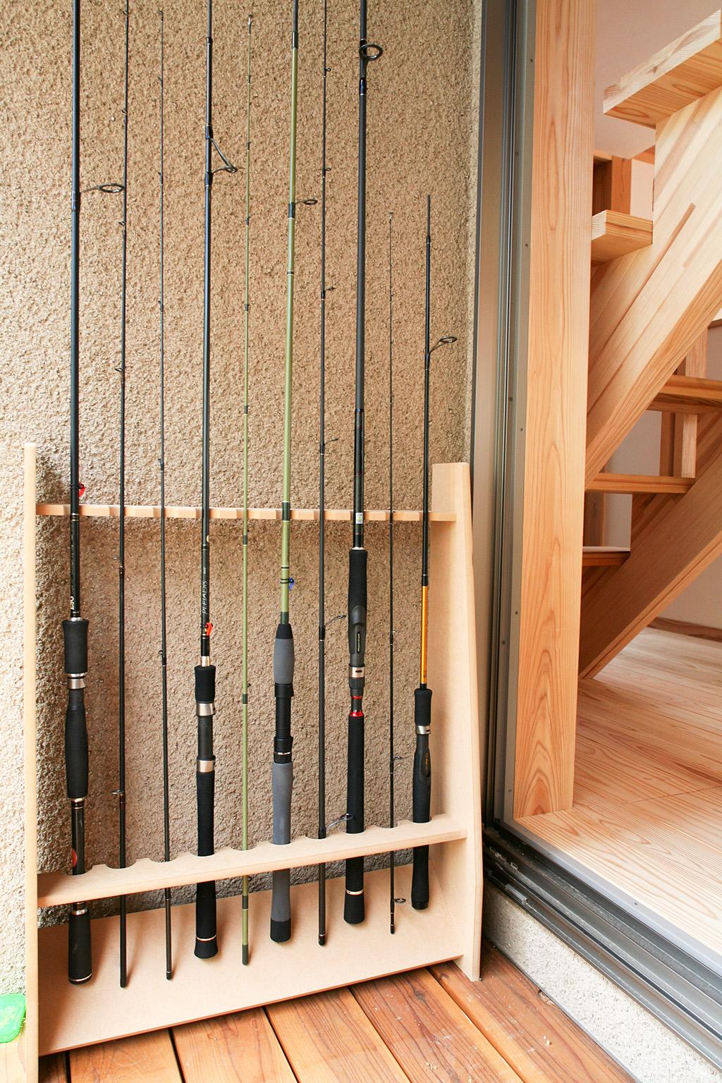 神戸市の木の家 釣り竿置き場