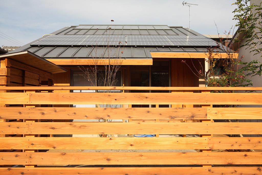 姫路市の木の家 OMパネルの載った屋根