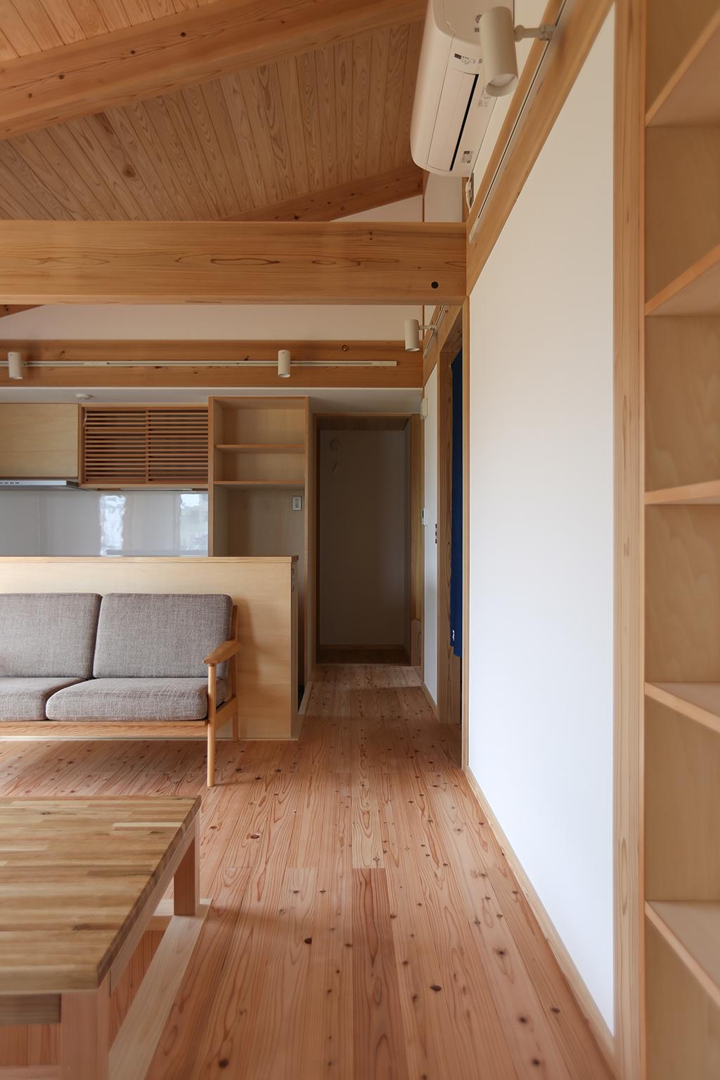 姫路市の木の家 勾配天井で開放的なLDK