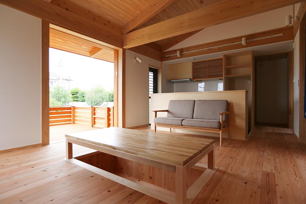 姫路市の木の家 掘りごたつのあるLDK