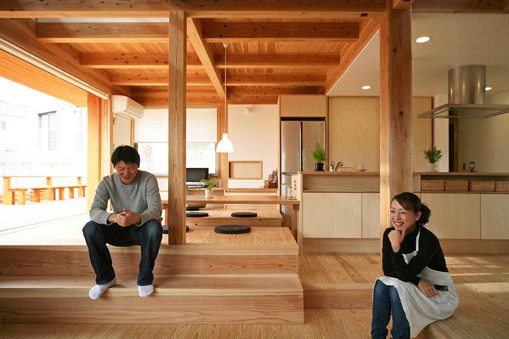 神戸市の木の家 いろんな居場所があるリビング